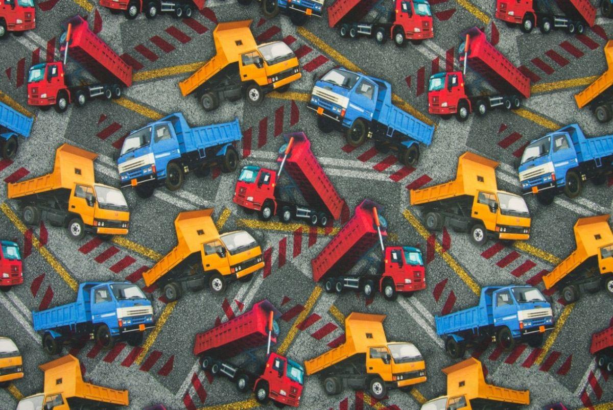 Tricot vrachtwagens dumpers